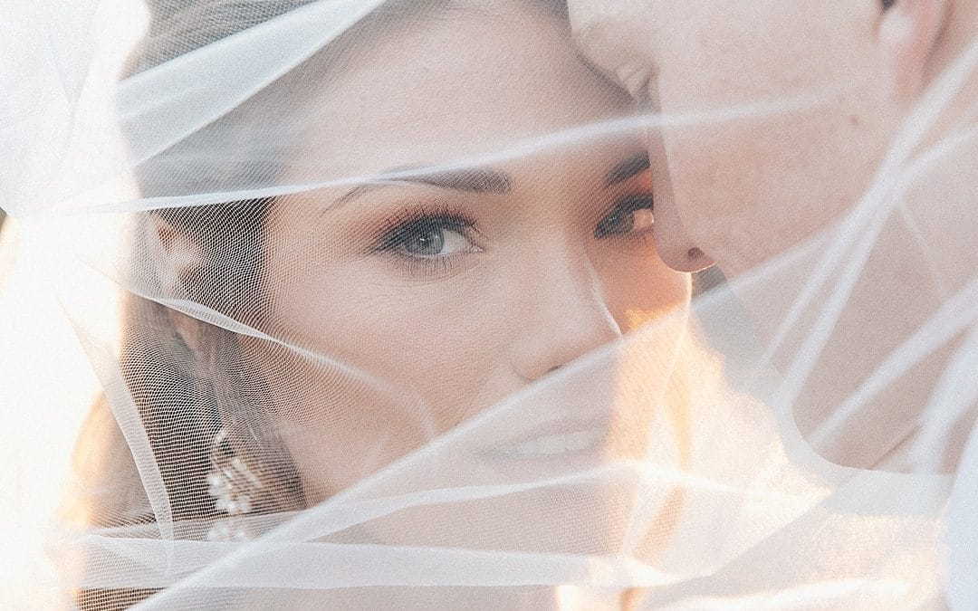 Why You Should Plan For Golden Hour Wedding Photos
